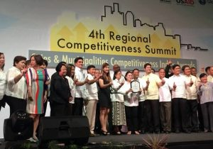 Gov. Rebecca A. Ynares of Rizal receives the award, as the overall most competitive province in the country in the 2016 Cities and Municipalities Competitiveness Index survey. Calabarzon RDC Vice-Chairperson and NEDA Region IV-A Dir. Luis G. Banua with Regional Competitiveness Committee Chairperson and DTI Region IV-A Dir. Marilou Q. Toledo and former PSA Region IV-A Dir. Rosalinda P. Bautista witness the awarding.