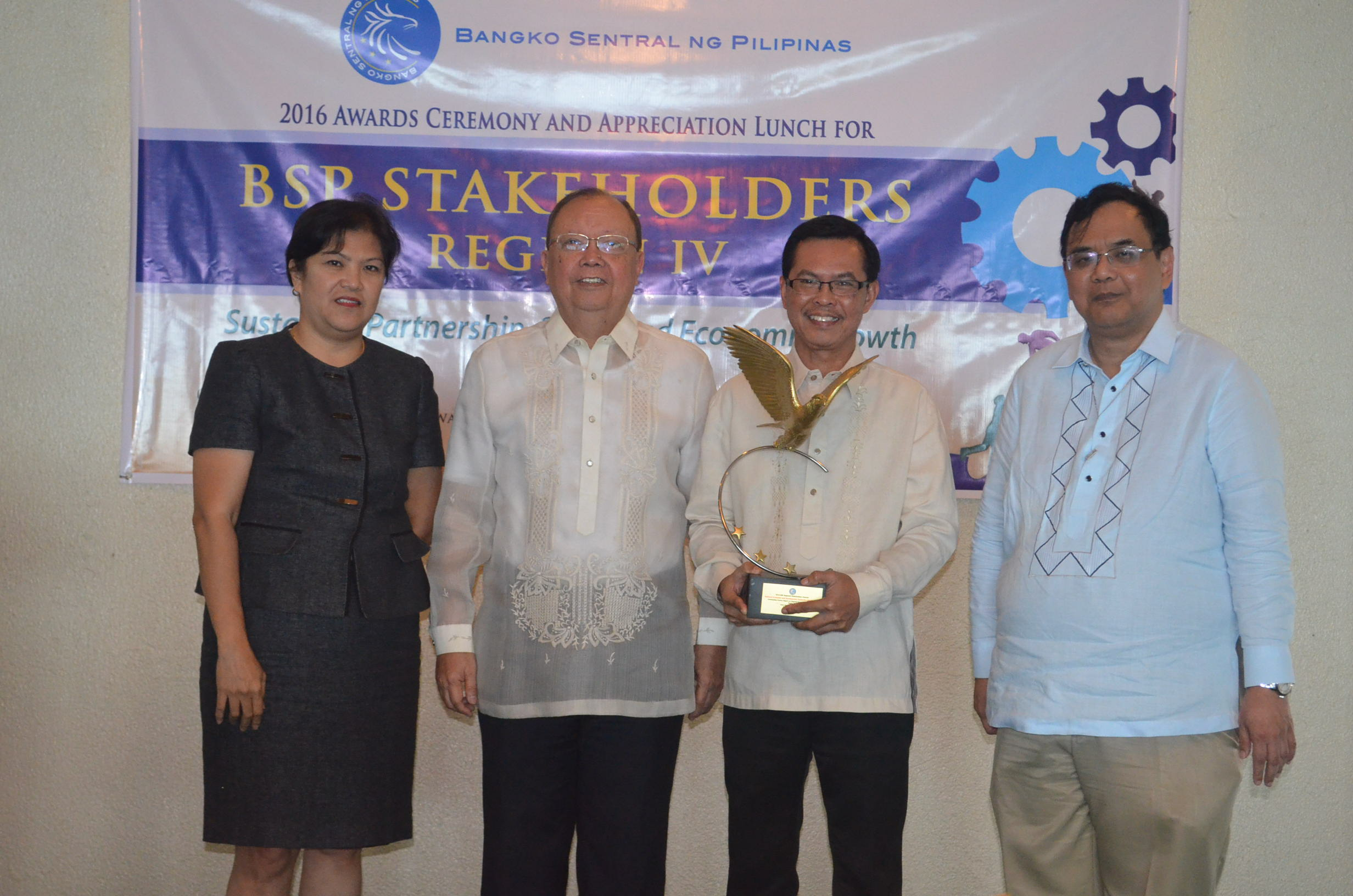RDC Calabarzon and NEDA Region IV-A receive  Regional Outstanding Partner Awards